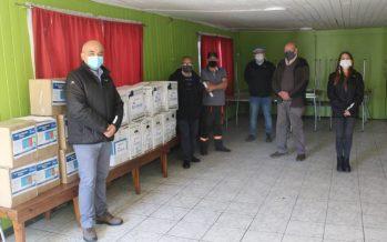 Blumar entrega kit sanitarios y cajas con alimentos a sus vecinos en San Vicente