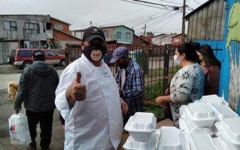 Propescado y Cocineros por Chile entregan almuerzos solidarios en Coronel y Talcahuano