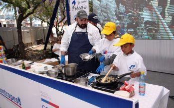 Inician gestiones para incorporar productos marinos de la región en programa de alimentos de la Junaeb