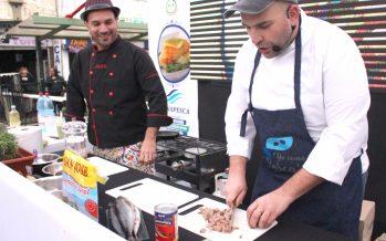 Con cocina en vivo y degustaciones promueven consumo de pescados y mariscos en Feria Grande de Puente Alto