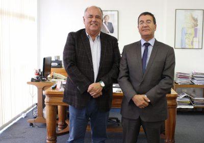 Osciel Velasquez junto a gobernador de Elqui